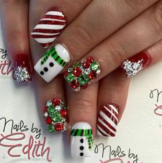 Festive and Fabulous Christmas Nail Art Designs All About Christmas – Fancy Nails Christmas Nail Art Designs, Holiday Nail Art, Winter Nail Art, Winter Nails, Summer Nails, Holiday Candy, Winter Nail Designs, Christmas Design, Cute Christmas Nails