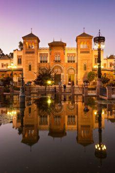 Museo de Artes y Costumbres Populares ligt in het prachtige mudéjarpaviljoen en gaat over de volkskunsten en tradities van Andalusië. #museum #art #sevilla