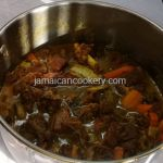 Curry beef Jamaican style, gone are the days when fish is only eaten during the Easter season in Jamaica. The prices of fish are too expensive during this time of the year Jamaican Carrot Cake Recipe, Jamaican Recipes, Hard Dough Bread Recipe, Jamaican Saltfish Fritters Recipe, Chicken Foot Soup Recipe, Trotters Recipe, Carrot Cake Topping, Canned Baked Beans, Jamaican Beef Patties