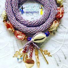 Chicote de Ewa #chicote #candomble #ase #orisa #nkissi #ileke #umbanda #religiaoafro #africanidade #santo  #ase #chicote Visite nossa página no Facebook https://www.facebook.com/chicotes.arte.micangas/