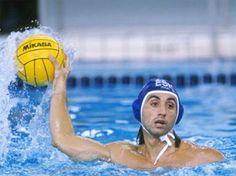 Legend of Waterpolo Manuel Estiarte Waterpolo, Water Polo Players, Spanish People, Mirrored Sunglasses, Sport, Legends, Basket, Football, Men