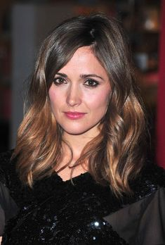 Great Cut. LOVE for Fall. Rose Byrne hairstyle for #hairstyles and #hair advice www.ukhairdressers.com