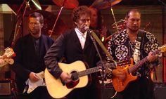 Bob Dylan performs My Back Pages at his 30th anniversary concert in 1992 – video