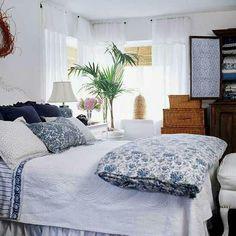 Coastal Cottage Bedroom by Sarah Richardson