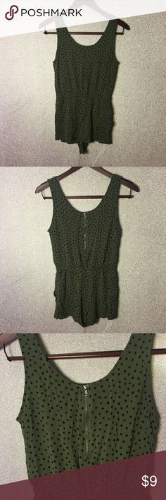 Forever 21 romper green with black dots SZ M Forever 21 romper green with black dots sliver exposed zipper in the back SZ M Preowned excellent condition no stains rips or holes Forever 21 Shorts