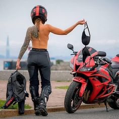 RED with 9415 Miles available now! Girl Riding Motorcycle, Motorbike Girl, Dirt Bike Girl, Motorcycle Bike, Lady Biker, Biker Girl, Motard Sexy, Dirt Bike Helmets, Yamaha Yzf