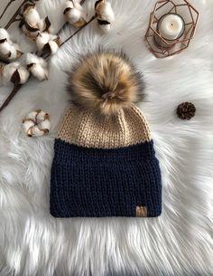 Addi Knitting Machine, Knitting Machine Patterns, Knit Beanie, Beanie Boos, Beanie Babies, Double Knitting, Baby Knitting, Valentine Hats, Fur Pom Pom Hat