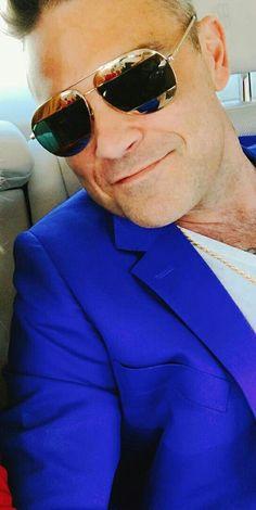 robbie williams Robbie Williams Take That, Joey Mcintyre, Christian Slater, Sexy Men, Hot Men, First Love, My Love, Alex Turner, Robin Williams