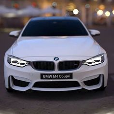 BMW M4 Mpower. Luxury, amazing, fast, dream, beautiful,awesome, expensive, exclusive car. Coche negro lujoso, increible, rápido, guapo, fantástico, caro, exclusivo.