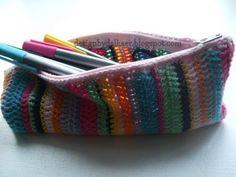 Penalhus Crochet Birds, Diy Crochet, Crochet Ideas, General Crafts, Crochet Purses, Knitted Bags, Learn To Crochet, Needlework, Purses And Bags