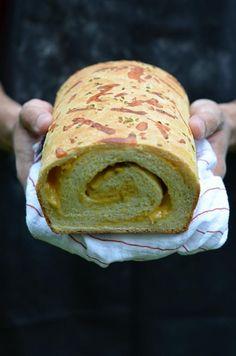 MMM...Cheesy swirly jalapeno bread!