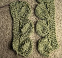Exit 95 on The Yellowbrick Road...: Solving The Knitted Leaf Trim's Directional Dilemma.....