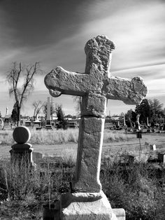 At one of the oldest cemeteries in Denver. I really love old cemeteries and crosses are a favourite artistic symbol. Cemetery Headstones, Old Cemeteries, Graveyards, Cemetery Angels, Cemetery Art, Central City Colorado, Angel Statues, Belleza Natural, Six Feet Under