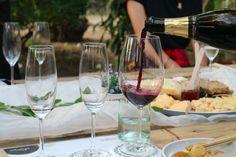 Cheese Tasting, Wine Cheese, White Wine, Alcoholic Drinks, Photo And Video, Tableware, Instagram, Food, Dinnerware