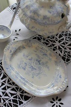 「イギリスアンティーク c1880 アジアティックフェザンツの小さなチュリーン warranted」ココン・フワット Coconfouato [アンティーク照明&アンティーク家具] フレンチアンティーク キャニスターセット ホーロー 陶器 テーブルウェア --kitchen--