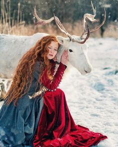 Même remarque que pour la photo avec le renard Peinados Pin Up, Fantasy Photography, Foto Pose, Ginger Hair, Redheads, Red Hair, Character Inspiration, Persona, Dragons