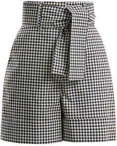 Pair with bodysuit or smocked top for the perfect spring/summer look. Classy Outfits, Pretty Outfits, Stylish Outfits, Cool Outfits, Summer Outfits, Fashion Outfits, Gingham Shorts, Patterned Shorts, Cotton Shorts Women