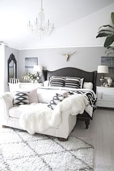 Country Home Interior Images Of White And Black Bedrooms - Find Out How to Style the Black and White Bedroom Look.Country Home Interior Images Of White And Black Bedrooms - Find Out How to Style the Black and White Bedroom Look Master Bedroom Layout, Serene Bedroom, Glam Bedroom, Cozy Bedroom, Beautiful Bedrooms, Home Decor Bedroom, Modern Bedroom, Bedroom Ideas, Bedroom Designs