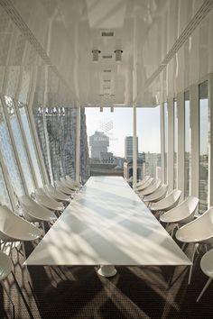 Driade è presente con le poltroncine Lago' by Philippe Starck