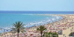 The nightlife of Playa Del Ingles in Gran Canaria is not for the faint hearted, but is seriously legendary. Where to stay in Gran Canaria: http://www.holidayextras.co.uk/destinations/gran-canaria/where-to-stay.html Image: https://www.flickr.com/photos/azuaje/