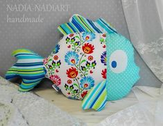 Produkty podobne do Pillow blue fish, Big pillow fish, Cushion shaped like a big fish, pillow fish in flowers, w Etsy Big Pillows, Decorative Throw Pillows, Fabric Toys, Fabric Crafts, Cushion Embroidery, Fabric Fish, Fish Pillow, Patchwork Cushion, Baby Sewing Projects