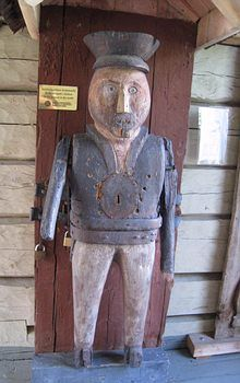 Wooden Sculptures, Wooden Statues, Lutheran, Finland, Folk Art, Countries, Pray, Blessed, Carving