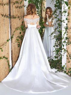 4ec7d479771 Illusion off-the-shoulder sleeve wedding dress with side pockets.  Изображение Свадебного ПлатьяСвадебные КоллекцииКоллекция ...
