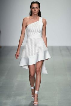 David Koma Spring 2015 Ready-to-Wear - Collection - Gallery - Look 2 - | Le Fevrier |