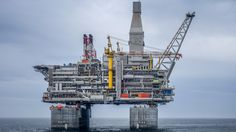 Fugro's integrity monitoring system for Berkut oil platform - Offshore Energy Water Well Drilling, Drilling Rig, Oil Rig Jobs, Oil Platform, Oil Refinery, Big Oil, Oil Industry, Industrial Photography, World's Biggest