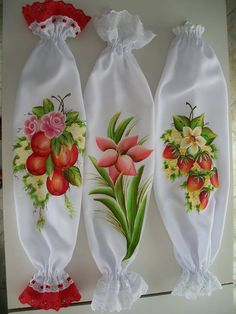 Pintura sobre tela #pinturaentela One Stroke Painting, Fabric Painting, Pinterest Pinturas, Acrilic Paintings, Diy And Crafts, Arts And Crafts, Backdrop Design, Diy Curtains, Paint Designs
