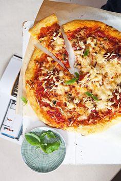 Pojďte vařit a péct podle receptů Karolíny, domáci kuchařky! | CelebrityTime Vegetable Pizza, Quiche, Cheese, Vegetables, Diet, Quiches, Vegetable Recipes, Veggies