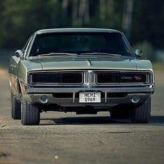 1969 Dodge Hemi Charger R/T | Mopar or no car | mopar muscle | hemi engine |426 hemi