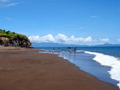 Beach in Tiwi | Photo by Hajji