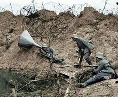Reproducing Traces of War: Listening to Gas Shell Bombardment, 1918 World War One, Second World, First World, Ww1 History, Military History, Ww1 Art, Ww1 Soldiers, German Army, Wwii
