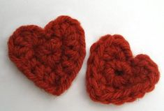 Learn how to #crochet tiny hearts for your #Valentine with this #tutorial