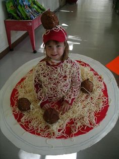 100 Cool DIY Halloween Costume for Kids for 2019 - Hike n Dip Here are 100 Cool Halloween Costumes for Kids ideas which you can DIY and make Halloween special for your kids. These Kids Halloween Costume are the best. Diy Halloween Costumes For Kids, Cute Costumes, Halloween Crafts, Group Halloween, Pirate Costumes, Zombie Costumes, Halloween Couples, Food Costumes For Kids, Family Costumes