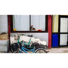 .@ssssseye | #골목 #후통 #북경 #중국 #alley #hutong #beijing #china 살짝보이는 #몬드리안 .... | Webstagram