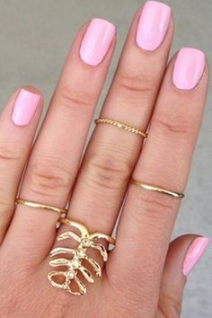 pink nails for the summer