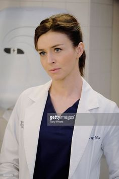 """S ANATOMY - """"The Me Nobody Knows"""" - Grey Sloan Memorial not only welcomes a new transfer resident, but also a patient who's the topic of conversation after accidently sending his sex tape to his. Amelia Shepherd, Greys Anatomy Season, Greys Anatomy Cast, Caterina Scorsone, Grey's Anatomy Tv Show, Season 12, Beautiful Day, Amy, Tv Shows"""