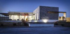 http://www.archdaily.com/570973/la-tomatina-house-plastik-arquitectos/