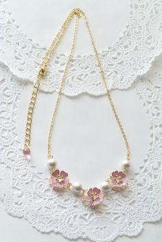 桜とコットンパールのネックレス Jewelry Necklaces, Gold Necklace, Minne, Jewels, Fashion, Necklaces, Moda, Bijoux, Gem