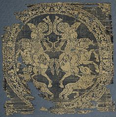 Roundel with Amazons  Date:     7th–9th century (?) Geography:     Made in Egypt or Syria (?) Medium:     Weft-faced compound twill (...