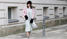 WWW.FASHIIONCARPET.COM  fashiioncarpet-nina-schwichtenberg-fashionblogger-germanfashionblogger-fake-fur-hat-gloves-jumpsuit-turtle-neck-proenza-schouler-ps11-fashion-week-streetstyle-berlin