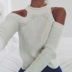 Adoro la spalla nuda d'inverno  Maglioncino shoulder off €44,90  ★ Pagamento anche alla consegna  ★ Acquista qui: dream-shop.it/maglioncini-felpe-donna.html