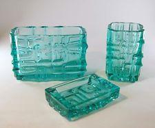 Vladislav Urban - Rosice Glasworks - Set - 2 Vasen + 1 Aschenbecher - Sklo Union Old Factory, Glass Design, Czech Republic, Czech Glass, Glass Art, Light Blue, Old Things, Teal, Bohemian