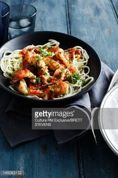Stock Photo : Bowl of chicken and pasta Griddle Pan, Kung Pao Chicken, Japchae, Pasta, Meat, Ethnic Recipes, Food, White Wine, Spaghetti