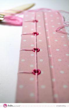 Encuadernación japonesa tutorial Mini Albums, Mini Album Scrap, Handmade Journals, Handmade Books, Japanese Stab Binding, Diy Paper, Paper Crafts, Paper Art, Origami