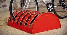 #Upcycling >>  Ovvero il #riciclo creativo di barili di petrolio in parcheggi per #bici, #sgabelli, #sedie, #poltroncine, #armadietti