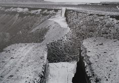 Michael Heizer . double negative  Nevada . 1969