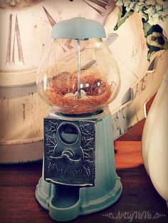 Gumball machine upcycle into beautiful decor Crafts To Do, Decor Crafts, Diy Gumball Machine, Bubble Gum Machine, Diy Recycle, Craft Gifts, Snow Globes, Christmas Crafts, Diy Projects